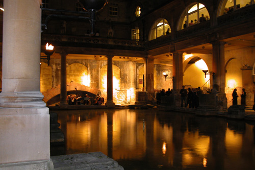 photo (69KB) : Drinks at the Roman Baths