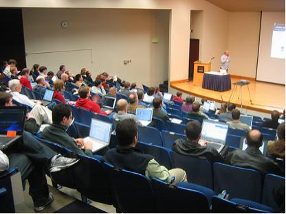 photo (26KB) : Proper laptop-to-attendee ratio